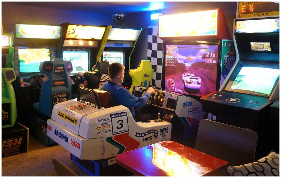 Arcade car